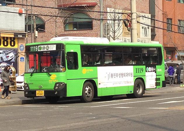 ソウル市内を走る街のバス(マウルバス)
