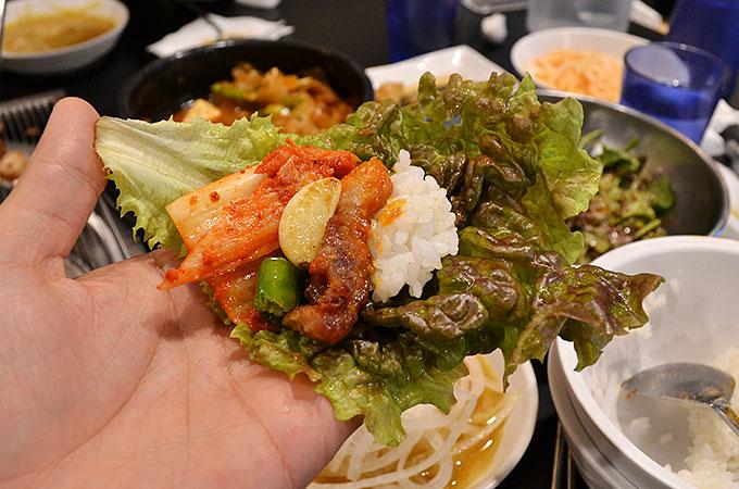 本場韓国のサムギョプサルの美味しい食べ方