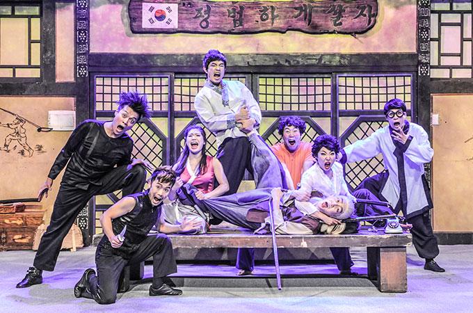 泥棒に入られてんわわんやのソウルで行われている「ジャンプ」ミュージカル