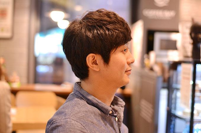 韓国の美容室で髪を切る、ヘアーカット後。横向き