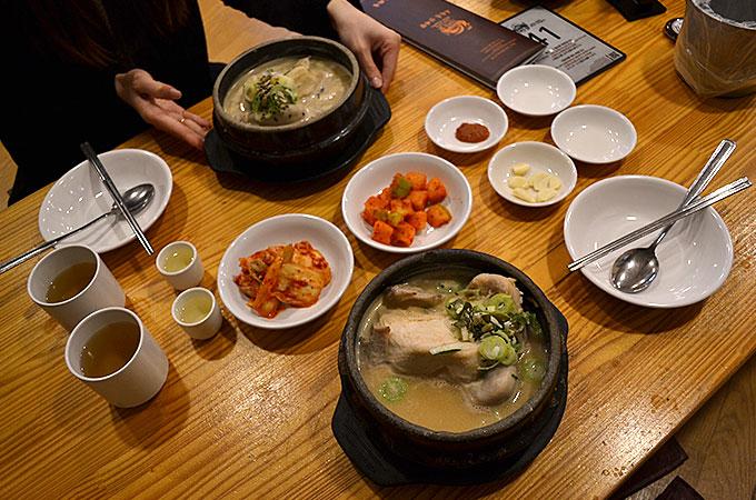 韓国で栄養価の高い食べ物といえばサムゲタンですね!
