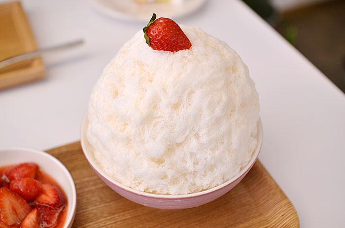 韓国カフェ ピオニー peonyの「딸기빙수 ッタルギピンス イチゴのかき氷」8,000ウォン