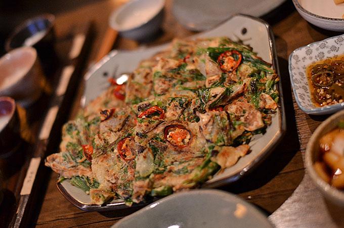 タモトリの美味しい「海鮮チヂミ 14,000ウォン」