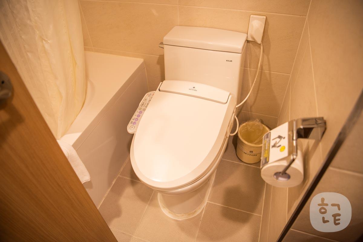 洗面台・トイレ・シャワールームが一緒